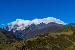 Overlooking of Meili Snow Mountainの写真素材 [FYI02707649]