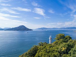 ドローンによる宇品灯台と瀬戸内海の写真素材 [FYI02707744]