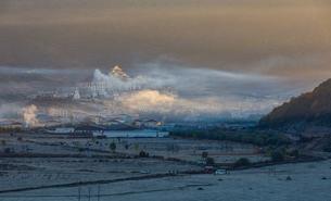 Overview of Ganden Sumtseling Monasteryの写真素材 [FYI02707753]