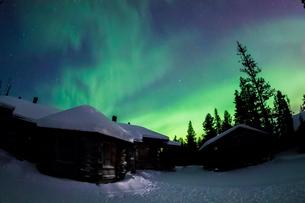 aurora in  Finlandの写真素材 [FYI02708709]