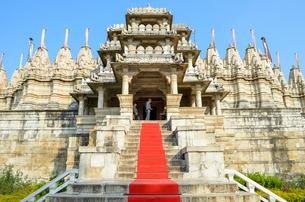 Exterior view of 15th century Ranakpur Jain Temple, Ranakpur, Rajasthan, India.の写真素材 [FYI02708775]