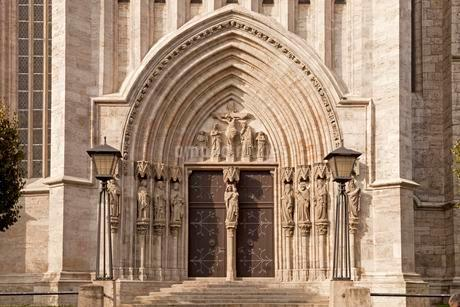 Portal of Marienkirche church in Muhlhausen, Unstrutの写真素材 [FYI02708783]