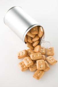 缶詰の乾パンの写真素材 [FYI02708797]