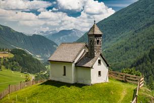Kapelle Maria vom guten Rat, Chapel of Mary of the goodの写真素材 [FYI02708987]