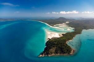Whitehaven Beach and Hill Inlet river meanders, Whitsundayの写真素材 [FYI02709168]