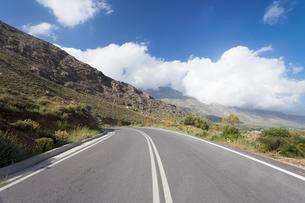 Road through the Kedros Mountains, Rethymno, Crete, Greeceの写真素材 [FYI02709184]