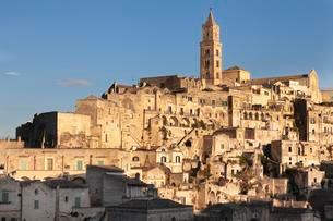 Sasso Barisano old town with cathedral, Matera, Basilicataの写真素材 [FYI02709472]