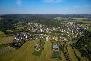 Aerial view, Bad Fredeburg, Schmallenberg, Sauerland, Northの写真素材 [FYI02709474]