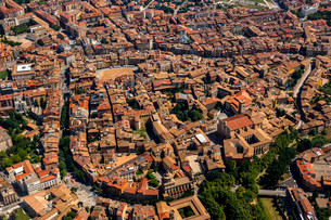 Aerial view, view of the historic centre, Vic, Cataloniaの写真素材 [FYI02709557]