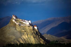 Tibet Shigatse Jiangzi Dzong Castleの写真素材 [FYI02710146]