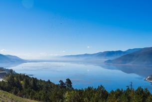 Mountains around Napa Hai Nature Reserve with fantasy atmosphereの写真素材 [FYI02710228]