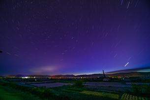 Milky way of starry night in the Town Huzhong; Da Hinggan Lingの写真素材 [FYI02710390]
