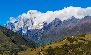 Overlooking of Meili Snow Mountainの写真素材 [FYI02710405]
