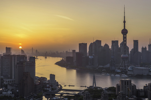 Sunrise Eastの写真素材 [FYI02710553]