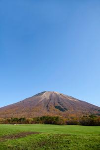 桝水高原より望む大山の写真素材 [FYI02718144]