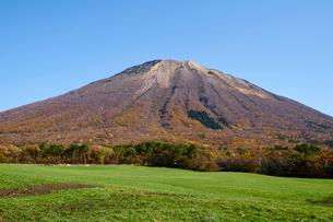 桝水高原より望む大山の写真素材 [FYI02718894]
