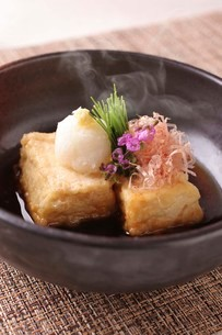 揚げ出し豆腐の写真素材 [FYI02720033]