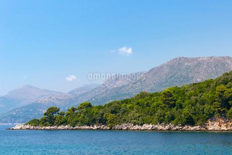 ロプト島とドブロブニクの丘陵の写真素材 [FYI02722936]