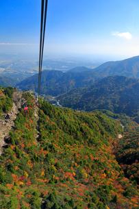 三重県 御在所岳の紅葉の写真素材 [FYI02723354]