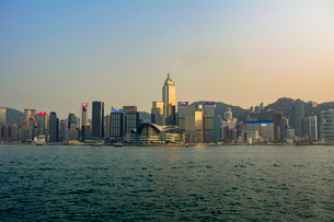 香港島とクーロンエリアの写真素材 [FYI02724570]