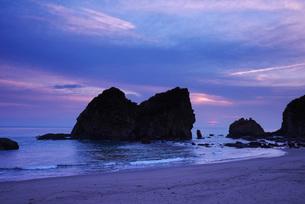 梅ヶ浜の朝の写真素材 [FYI02725747]