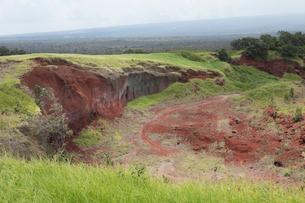 ハワイ島のハワイ火山国立公園 カフクユニット のトレイルの写真素材 [FYI02738075]