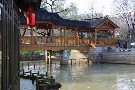 蘇州 寒山寺風景区聴鐘橋の写真素材 [FYI02738276]