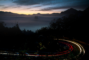 秩父公園橋と雲海の写真素材 [FYI02738747]