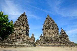 インドネシア ジャワ島 プランバナン寺院史跡公園の写真素材 [FYI02739147]