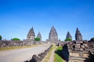 インドネシア ジャワ島 プランバナン寺院史跡公園の写真素材 [FYI02739245]