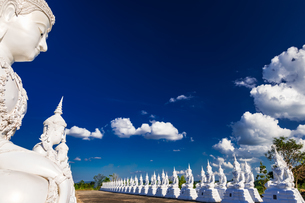 Wat Phra Phutthabat Nam Thip, Sakon Nakhon, Thailandの写真素材 [FYI02739381]