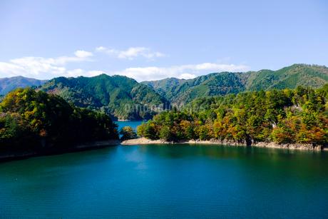 東仙峡金山湖の写真素材 [FYI02739504]