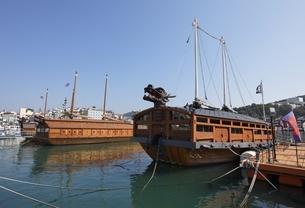 Turtle Ship, Tongyeong, Gyeongsangnam-do, Koreaの写真素材 [FYI02739989]