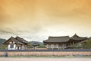 former residence of a 'yangban, official, aristocratの写真素材 [FYI02739995]