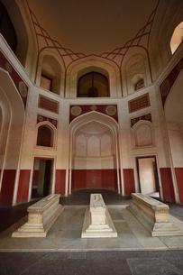 ムガール朝の第2代皇帝フマユーンの霊廟(摸棺)の写真素材 [FYI02740045]