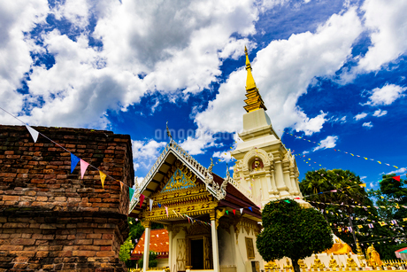 Wat Phrathat Bangphuan, Nong khai, Thailandの写真素材 [FYI02740084]