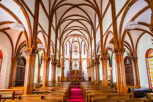 大曽教会リブ・ヴォールト天井アーチの内部風景の写真素材 [FYI02740427]