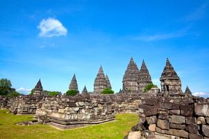 インドネシア ジャワ島 プランバナン寺院史跡公園の写真素材 [FYI02740501]