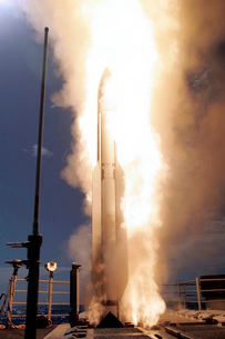 A Standard Missile 3 is launched from the Ticonderoga-classの写真素材 [FYI02741504]