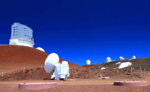 ハワイ島 マウナ・ケア山頂天文台群の写真素材 [FYI02741541]