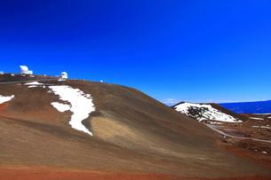 ハワイ島 マウナ・ケア山頂天文台群の写真素材 [FYI02741559]