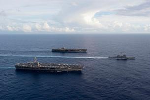 USS George Washington, USS John C. Stennis, and USS Mobile Bの写真素材 [FYI02741855]