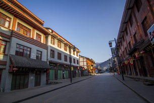 Huayang Ancient Town in the Depth of Qinling Mountains,Chinaの写真素材 [FYI02742172]