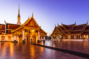 Wat Phra That Choeng Chum Worawihan, Sakon Nakhon, Thailandの写真素材 [FYI02750491]