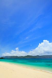 奄美大島 倉崎湾と崎原ビーチの写真素材 [FYI02754245]