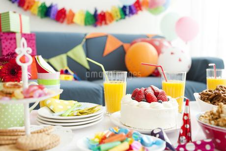 パーティーテーブルの写真素材 [FYI02812393]