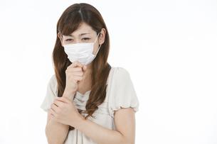 マスクをした中高年女性の写真素材 [FYI02814248]