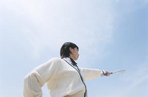バットを構える女子校生の写真素材 [FYI02814591]