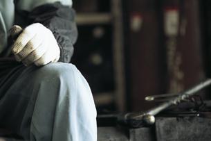 作業服の男性の手の写真素材 [FYI02815134]