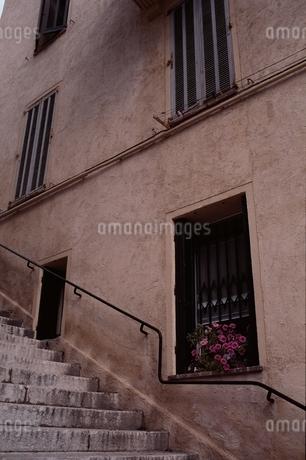 街並み 階段の写真素材 [FYI02815172]